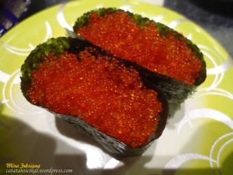 Sushi dengan Telur Ikan Hering